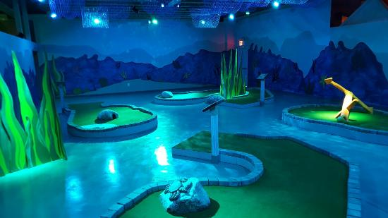 Ahoy! An Indoor Mini Golf Adventure at Shipwrecked! - What ...