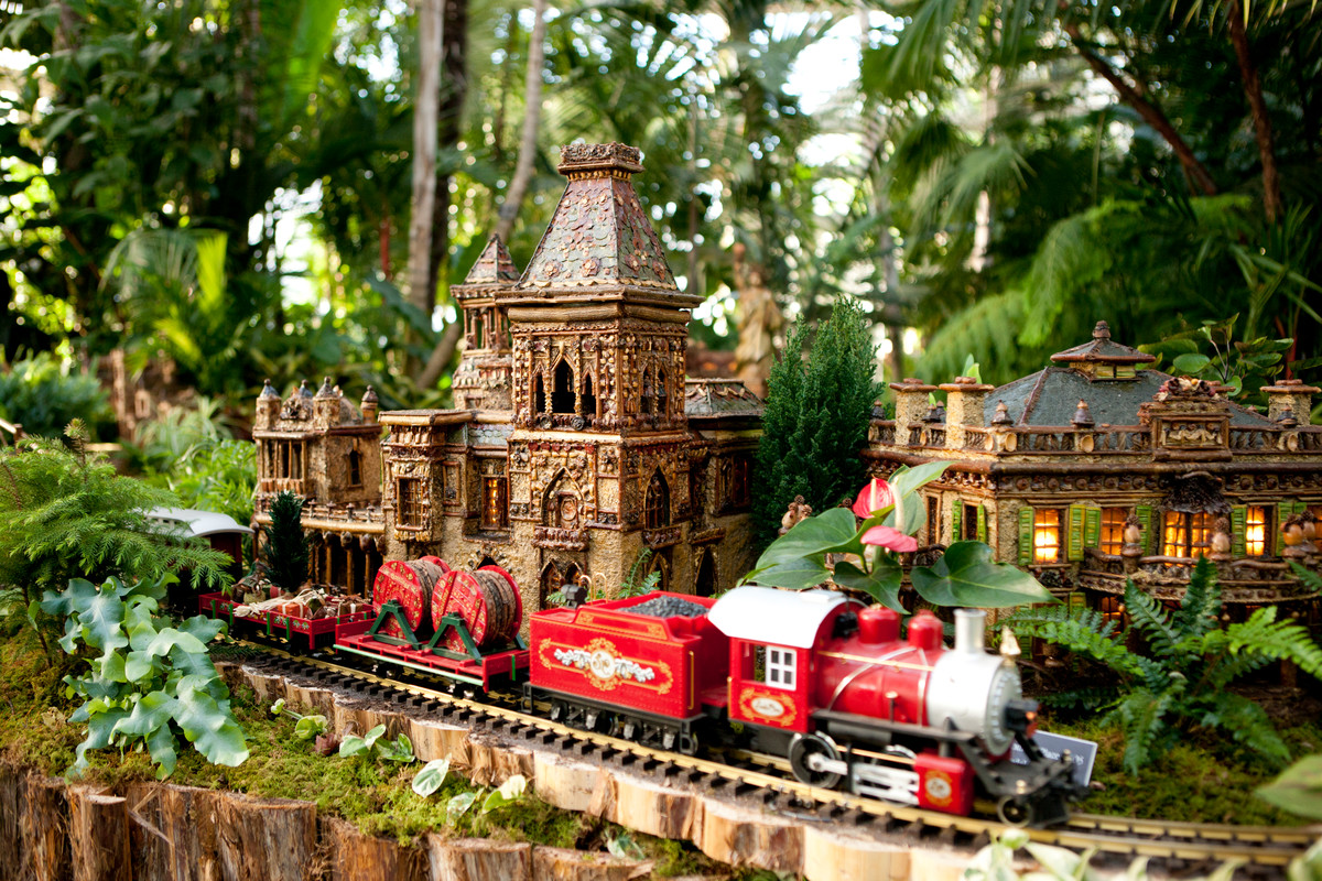 All aboard the feel good express at the new york botanical Botanical garden train show