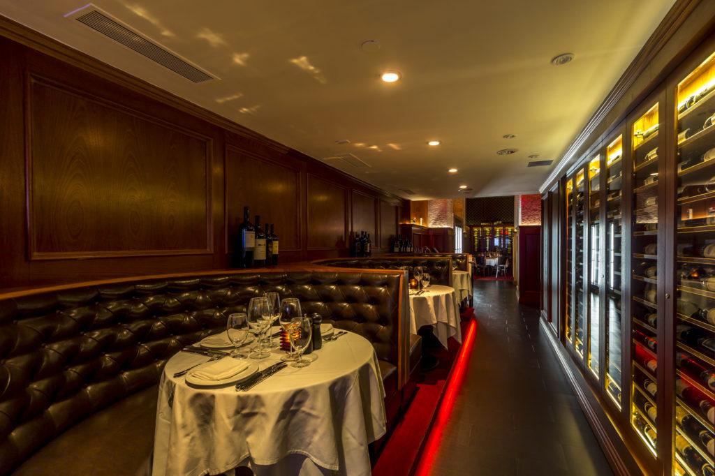 banquet-and-corridor
