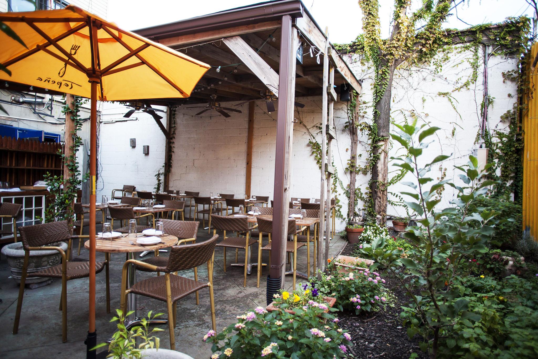 outdoor dining brooklyn